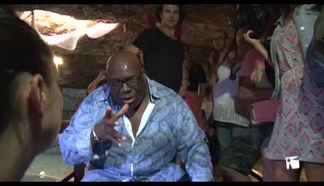 VÍDEO: Carl Cox apadrina una tortuga boba