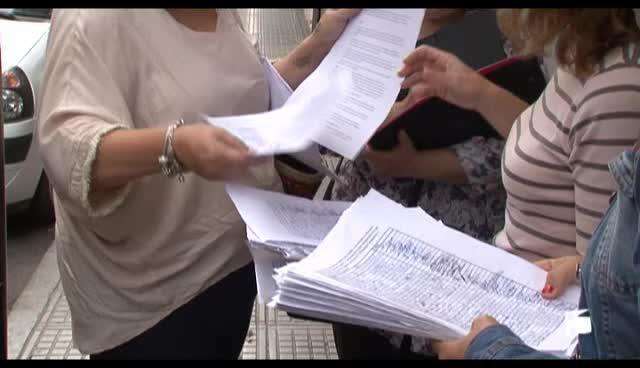 VÍDEO: Más de 3.000  firmas recogidas en contra de los recortes del colegio Can Bonet