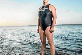 Anna Wardley unirá a nado las Islas Baleares con la Península