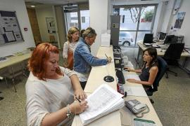 Más de 3.000  firmas recogidas en contra de los recortes del colegio Can Bonet