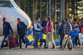 Llegan a Suecia los primeros refugiados reubicados en la UE
