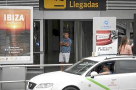 El Consell controlará el acceso de vehículos al aeropuerto para combatir a los taxis pirata