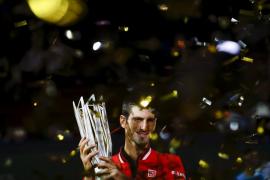 Djokovic se corona por tercera vez en Shanghái