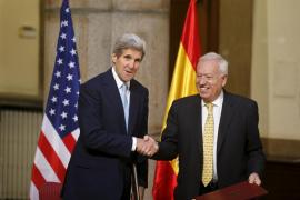 Margallo y Kerry firman un acuerdo para rehabilitar el entorno de Palomares
