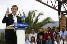Rajoy: «Lo nuestro es el futuro. El lema del PSOE es el regreso al pasado»