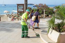 El nuevo servicio de limpieza de Vila podría retrasarse  tras suspenderse su adjudicación