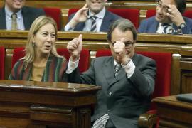 JxS y la CUP pactan iniciar el proceso hacia la república catalana