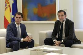 Rajoy recibe a Rivera en Moncloa para hablar de la independencia catalana