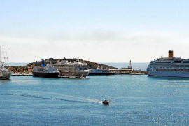 Comienzan las obras para mejorar el atraque de grandes cruceros
