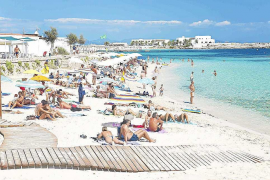 El Gobierno autoriza obras de emergencia para las pasarelas de madera de Eivissa y Formentera