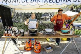 Sant Carles rinde tributo al calamar y la tradición