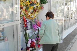 Una jornada para el recuerdo de los más queridos en Sant Francesc y la Mola
