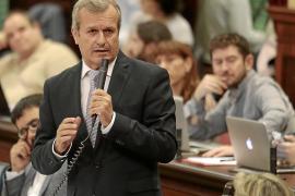 Joan Boned  reprocha al PP el sobrecoste de las carreteras