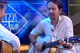 Pablo Iglesias canta y toca la guitarra en 'El Hormiguero'
