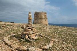 Formentera organiza una jornada para eliminar las piedras depositados en Es Trucadors