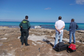 Flüchtlingsboot auf Formentera entdeckt