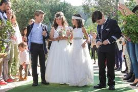 Can Lluc se viste de blanco por las primeras comuniones