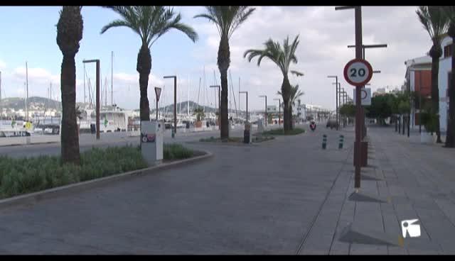 VÍDEO: Malestar entre los vecinos por no poder aparcar en el puerto durante el invierno
