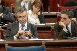 Vidal llama 'hooligan' a Marí Bosó por atizar con el emisario