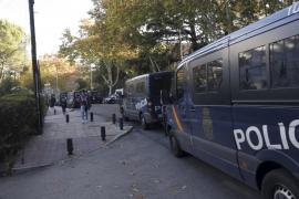Unos 75 detenidos en el desalojo de un colegio mayor en Madrid