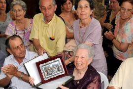 Homenaje a la gente mayor