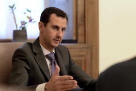 Al Asad acusa a París de combatir y apoyar el terrorismo al mismo tiempo