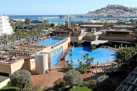 Los hoteleros pitiusos rompen con el Govern por la 'ecotasa' y la regularización de pisos turísticos