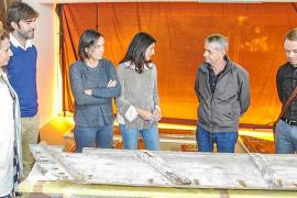Visita de rigor a los trabajos de restauración del retablo de Jesús