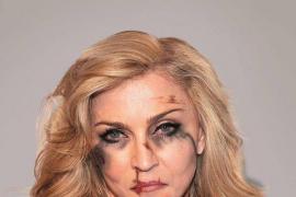 Presentan una campaña con Madonna o Angelina Jolie como víctimas de violencia machista