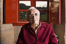 Fallece el escritor  Xosé Neira Vilas