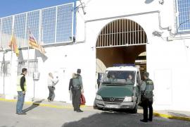 Absueltos el jefe de servicios y un educador de la cárcel de Eivissa, acusados de coacciones
