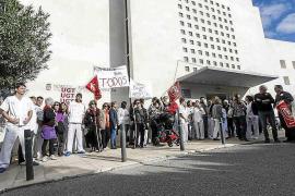 Movilización de trabajadores en la residencia de Cas Serres