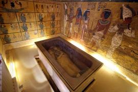 Egipto, convencida de haber hallado la cámara secreta de Nefertiti en la tumba Tutankamón