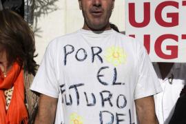 Protesta de trabajadores en la residencia de Cas Serres