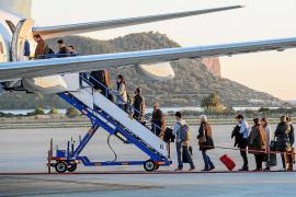 Volar a la Península en Navidad como residente es más caro que hacerlo a Eivissa sin descuento