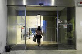 Unos 400 pacientes acuden a los centros de salud pitiusos en el nuevo horario de tarde