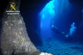 La Guardia Civil rescata a un joven atrapado en la 'Cueva de la Luz' de Sant Mateu