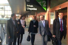 Armengol se reúne con Montoro para reclamar un trato justo en inversiones estatutarias