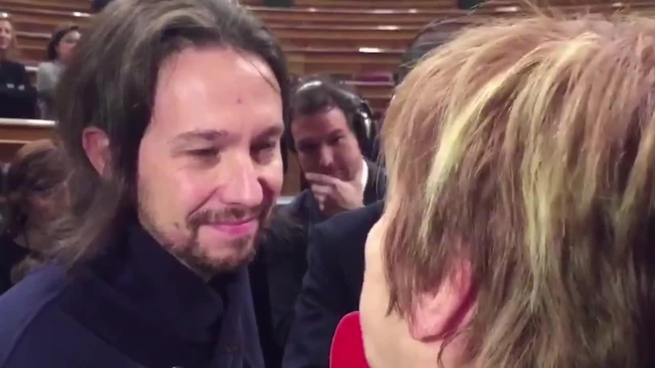 Bronca de Celia Villalobos a Pablo Iglesias en el Congreso
