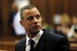 Pistorius es condenado por asesinato y volverá a prisión al menos 15 años