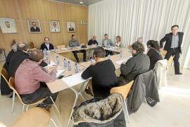 Sant Josep prevé una mínima reducción de hamacas y más vigilancia en las playas