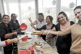 Sant Antoni elabora sus galletas de Navidad