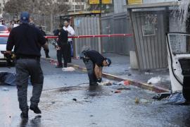 La policía israelí abate a un palestino tras atropellar a ocho personas