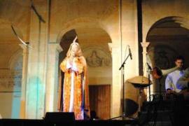 Carme Jaime interpreta 'El Cant de la Sibil·la' en Sa Taronja