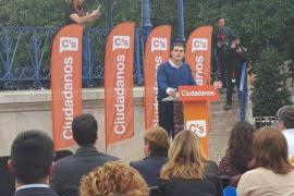 Rivera pide a los jóvenes «un préstamo de confianza» en las urnas