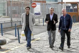 Sant Antoni quiere eliminar el tráfico de mercancías y buques regulares del puerto