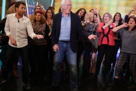 Richard Gere baila 'Pretty woman' rodeado de mujeres