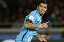 """El Barça vence al Guangzhou con """"hat-trick"""" de Suárez y pasa a la final"""