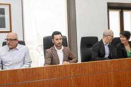 El equipo de gobierno de Vila desconvoca el pleno sobre el puerto para negociar con la oposición