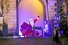 El mercat de Vila, primera parada de Papa Noel